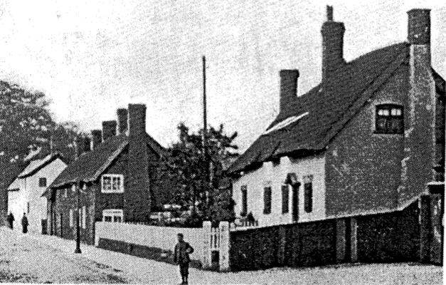 Cottages in Swanlow Lane